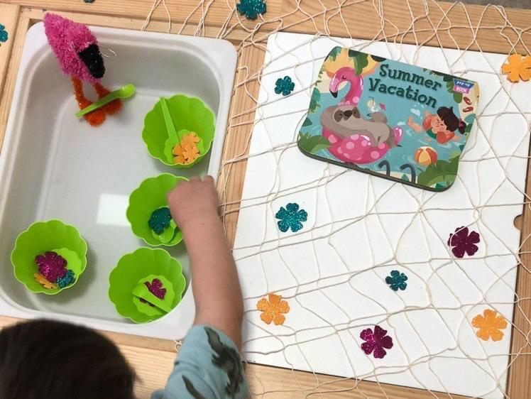 Summer vacation sensory bin for kids